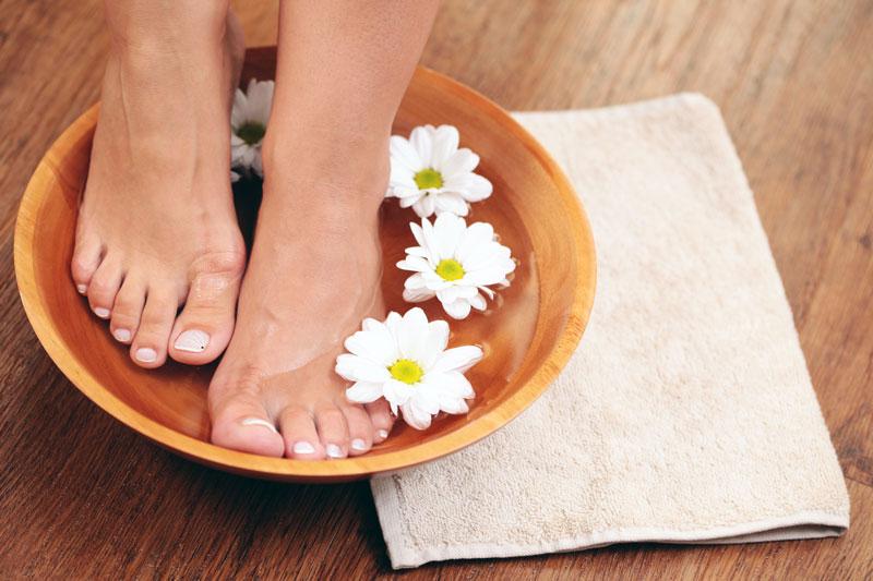 как ухаживать за пятками ног в домашних условиях